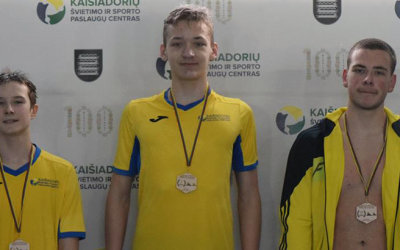 Plaukimo varžybos skirtos paminėti Lietuvos Nepriklausomybės dieną